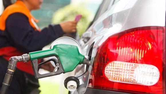 Se busca autorizar al MEF a transferir S/ 596 millones al Fondo de Estabilización de Precios de Combustible (FEPC) para el pago de obligaciones. Según el Gobierno, la deuda actual ascendería a S/735 millones.