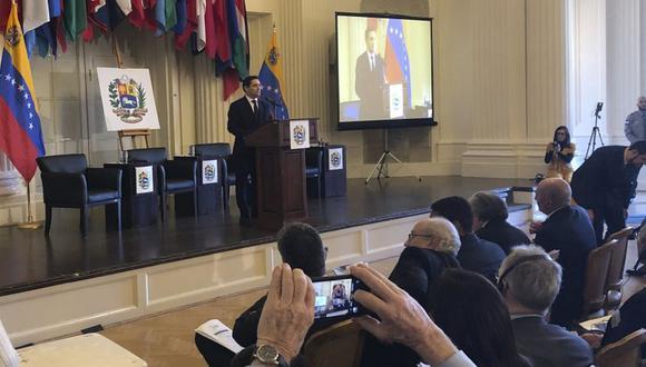 En la conferencia participan representantes de algunos de los países que más migrantes y refugiados venezolanos han recibido en los últimos años.(Foto: AP)