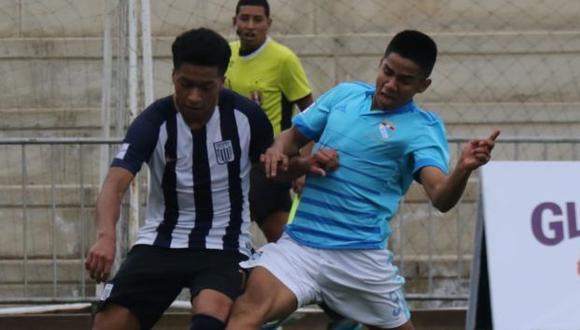 Ernesto Arakaki anunció que se planea la realización de un torneo Sub-18. (Foto: Alianza Lima)