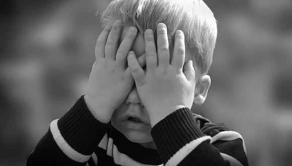 Un niño británico emocionó a miles en redes al escribirle una sentida carta a su madre que recientemente falleció | Foto: Pixabay / Referencial / 192635