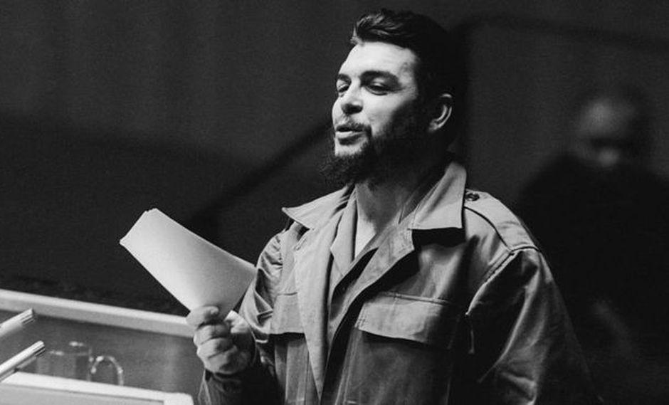 Guevara dio su discurso ante la Asamblea General de la ONU en 1964 en su uniforme de guerrilla. (Getty Images vía BBC)