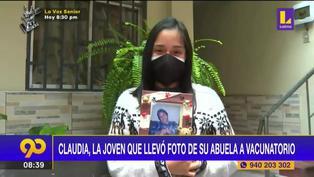 Conoce la historia de Claudia, la joven que llevó la foto de su abuela al vacunatorio