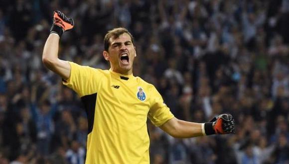 La iniciativa de los hinchas de Porto para que Iker Casillas sea campeón. (Foto: AFP)