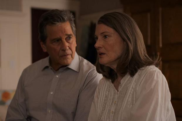 Hope has always been against the idea of having children, and it seems highly unlikely that she managed to be pregnant for so many months while married to Doc (Photo: Netflix)