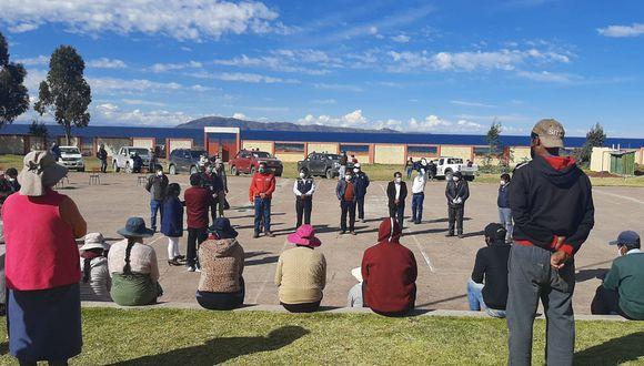 Después de casi una semana de carencia de pruebas rápidas en la región Puno, la Dirección Regional de Salud de Puno (Diresa) recibió un lote de 8.450 test que serán distribuidos entre las once redes de Salud de la región Puno. (Foto: Carlos Fernández).