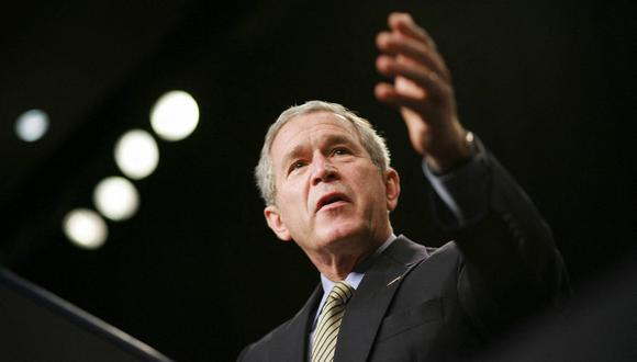"""US President George W. Bush speaks during an address on the """"war on terror"""" 29 September 2006 in Washington, DC. Bush spoke on the war as the White House scrambled to explain a US intelligence estimate that warned that the war in Iraq has become a """"cause celebre"""" for Islamic radicals, causing the ranks of """"jihadists"""" to swell and disperse geographically. (Photo by MANDEL NGAN / AFP)"""