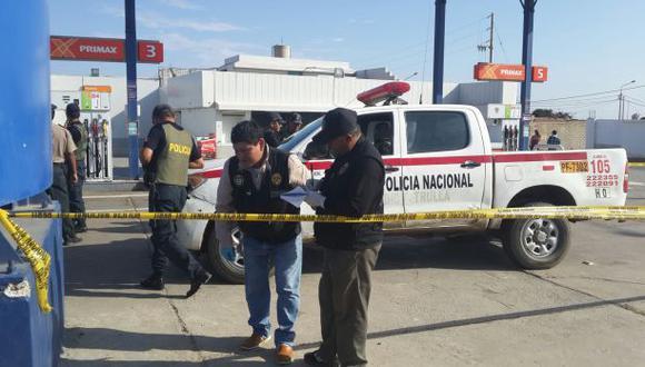 Padre de policía asesinado llegó a la morgue para reconocerlo