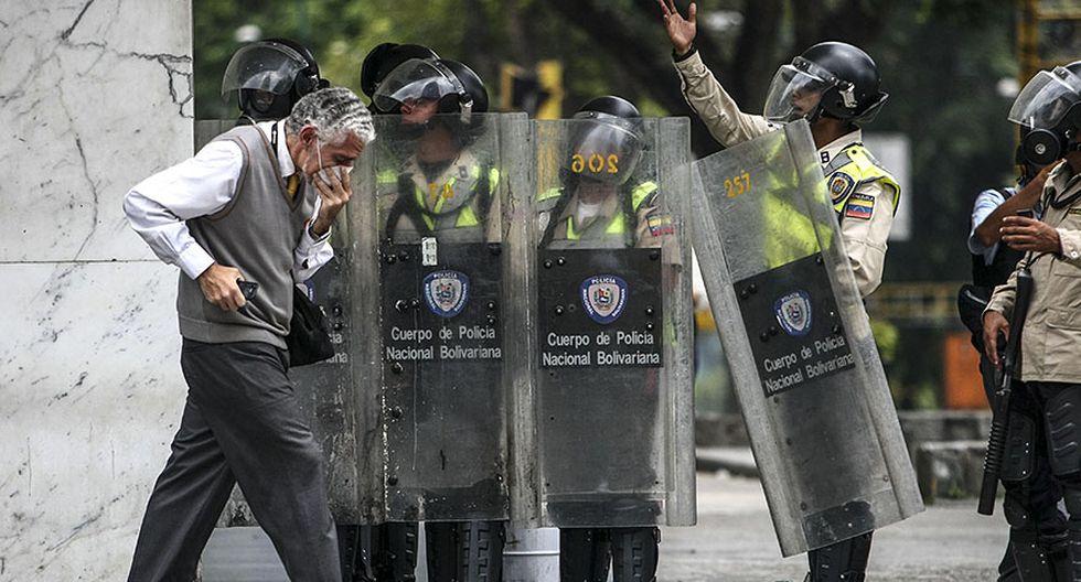 Venezuela: Duros enfrentamientos en calles de Caracas [FOTOS] - 10