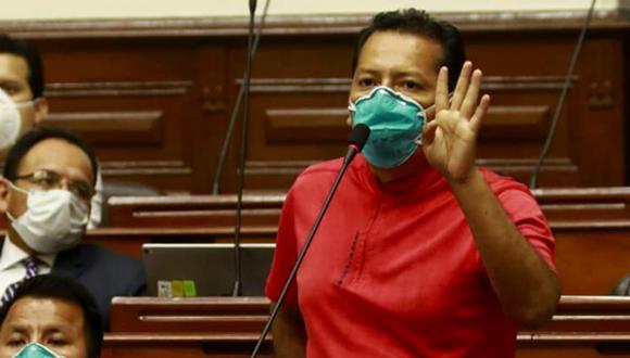 """Legislador Chagua fue informado de sus resultados mientras participaba en la sesión de la Comisión de Salud. """"No tengo ningún síntoma, pero aviso a la opinión pública para que tomen las medidas respectivas aquellas personas que han estado en contacto conmigo"""", indicó."""