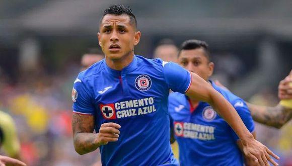 Yotún se vio obligado a dejar de jugar en el Cruz Azul-Juárez tras marcar en el encuentro. (Foto: EFE)