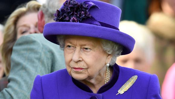 La reina Isabel II aprueba la ley que pide un aplazamiento del Brexit. (AFP).