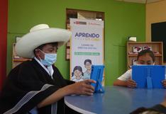Gobierno inició entrega de más de 1 millón de tabletas a escolares y maestros del país