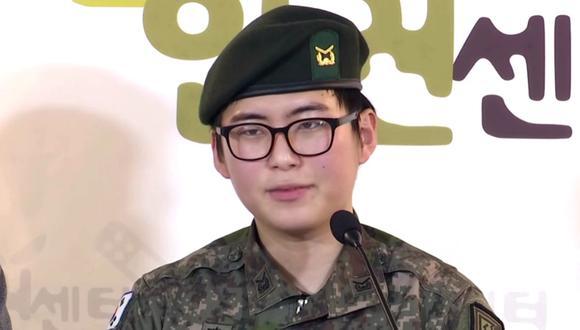 La Armada de Corea del Sur anunció en el mes de febrero de 2020 la expulsión de la suboficial que cambió de sexo. Imagen de Byun Hee-soo. (Captura de pantalla).