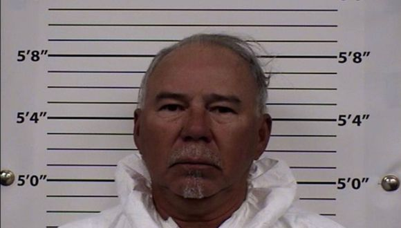 Coronavirus: Según las autoridades, Joe Macias arrojó gasolina a su esposa y por su casa móvil. (Foto: AP/Centro Metropolitano de Detención).