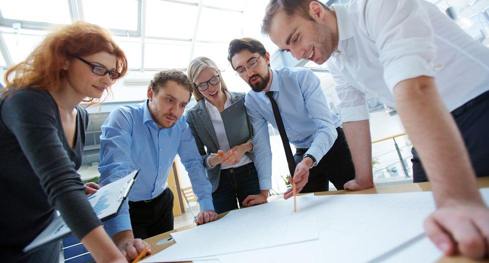 La mejor práctica consiste en presentar los dos grupos de información. La oficial (estados financieros fiscales) y la real (estados financieros de gestión). El reto está en saber explicar cómo es que se llega de una a la otra.