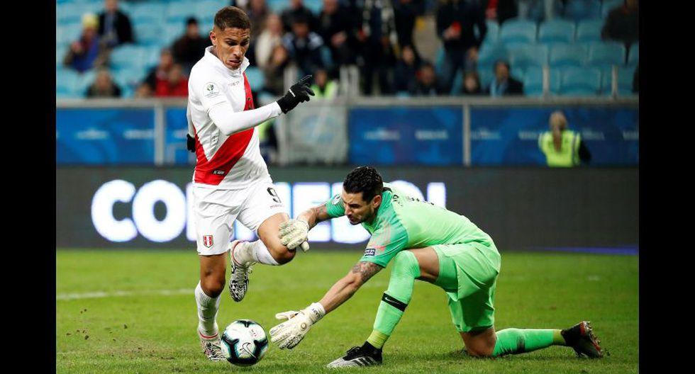Otro golazo que anotó Paolo Guerrero. Esta vez al arquero de Chile. Definió como el 'Gordo' Ronaldo.