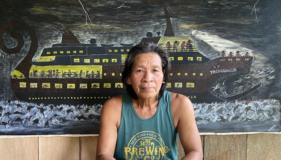 Santiago Yahuarcani López, artista visual y escultor, líder y sabio de la nación Uitoto, del Clan de la Garza Blanca, presenta una obra al proyecto De Voz a Voz Perú. (Foto: Rember Yahuarcani)