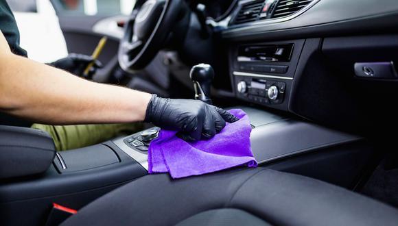 Tan importante como mantener nuestra higiene personal es desinfectar constantemente un auto. (Fotos: Shutterstock / Difusión).