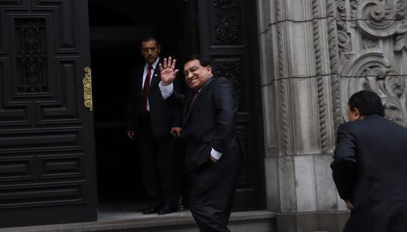 José Luna del partido Podemos Perú llega a Palacio de Gobierno junto con Enrique Wong, secretario general de la agrupación, para reunirse con el presidente Martín Vizcarra el pasado lunes 3 de febrero. (Foto: Eduardo Cavero/GEC).