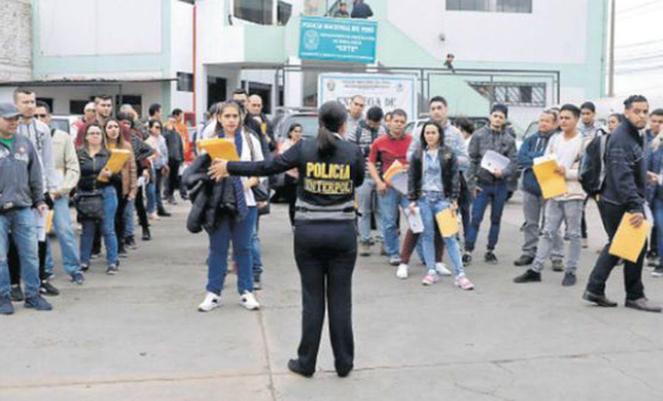 A diario, 150 venezolanos dejan de acudir a su compromiso con Interpol. Eso supone que al mes se pierden unas 3 mil citas por inasistencia, según informó Merino. (Foto: Reuters)