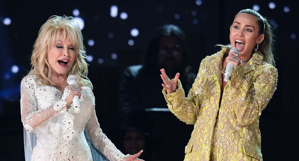 Grammy 2019. Miley Cyrus cantó en un homenaje a Dolly Parton. Foto: AFP.
