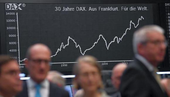 En Frankfurt, el índice DAX 30 anotó una subida de 0.37% este miércoles. (Foto: AFP)