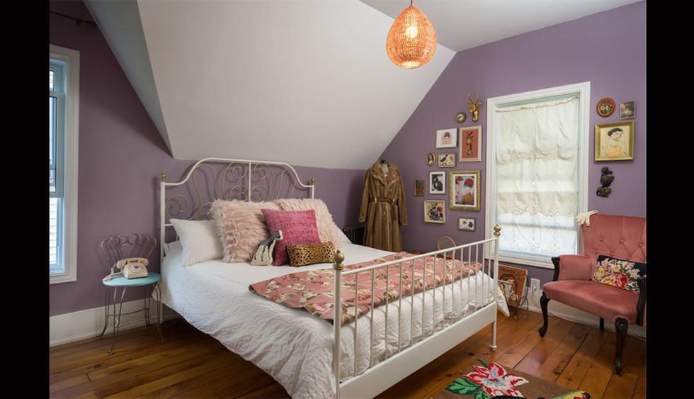 Esta habitación se inspira en la genial Margot Tenenbaum, personaje de ficción de la película The Royal Tenenbaums (Gwyneth Paltrow). Destaca por su mezcla de estilo romántico y vintage. (Foto: Airbnb)