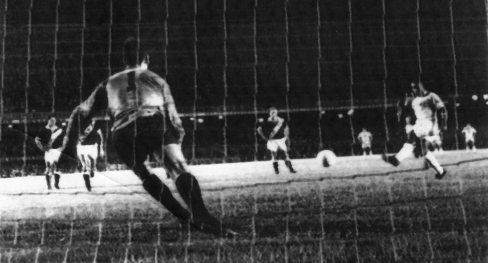 El 19 de noviembre de 1969, Pelé marcó su gol mil en el mítico Maracaná. (Agencia: UPI)
