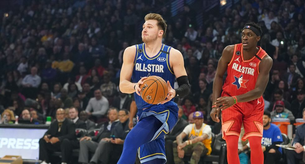 Feb 16, 2020; Chicago, Illinois, USA; Team LeBron guard Luka Doncic of the Dallas Mavericks drives to the basket past Team Giannis forward Pascal Siakam of the Toronto Raptors in the first quarter during the 2020 NBA All Star Game at United Center. Mandatory Credit: Kyle Terada-USA TODAY Sports