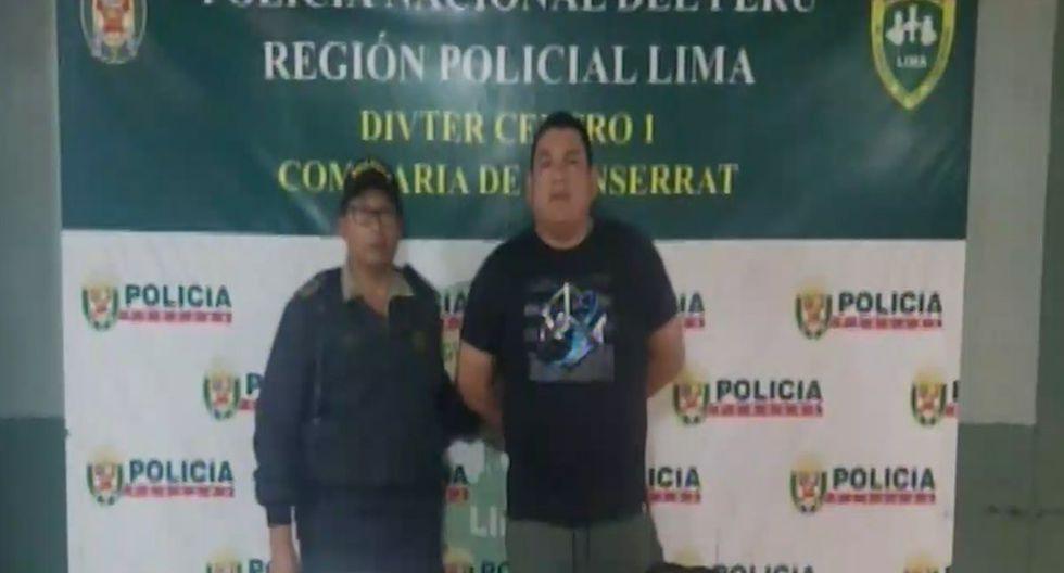 Los policías pusieron al presunto comercializador de drogas en manos de la Fiscalía. (Foto: Captura/América Noticias)