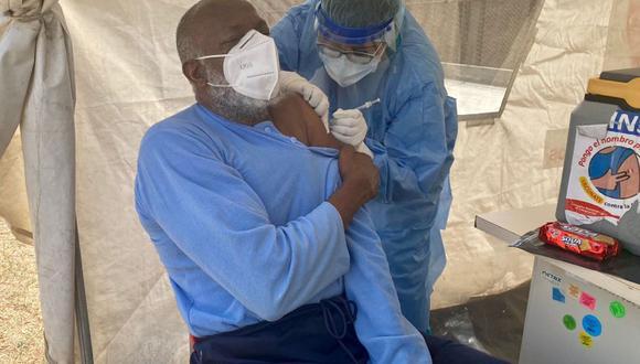 Los presos mayores de 70 años recluidos en penales del país fueron vacunados contra el COVID-19 con dosis de Pfizer. (Foto: INPE)