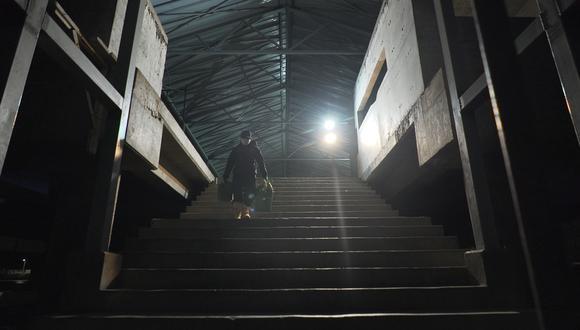 Para ejercer el oficio de la pesca, Don Ubaldo se levanta todos los días a las 3 de la mañana. (FOTO: DIFUSIÓN)