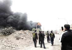 Comas: reportan incendio de grandes proporciones en una fábrica de pinturas   VIDEO