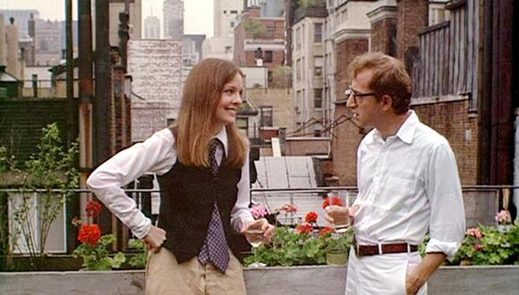 """Woody Allen y la actriz Diane Keaton en el clásico """"Annie Hall"""" (1977). El cineasta cumple 85 años en plena eclosión creativa. (Foto: United Artist)"""
