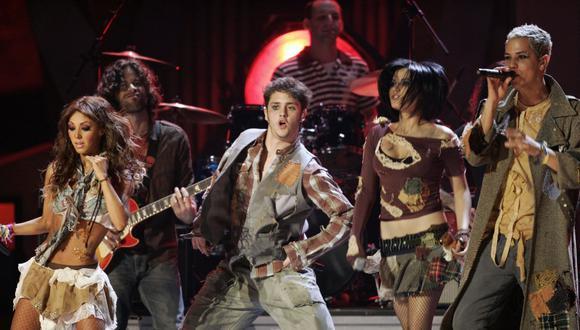 RBD durante la séptima entrega de los Grammy Latinos en el Madison Square Garden el 2 de noviembre de 2006 (Foto: Timothy A. Clary / AFP)