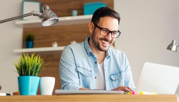 Puedes crear tu misma plataforma de ventas online o suscribirte a un marketplace conocido para aumentar tus ventas.