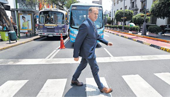 Solo las 10 empresas de transporte más infractoras deben S/20 millones en multas. Aun así, la gestión actual les dio luz verde hasta finales del 2019. Jorge Muñoz tendrá que enfrentar este problema.