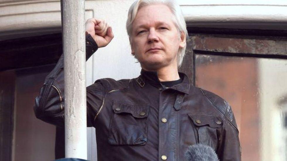 Julian Assange pasó 2.487 días en la embajada de Ecuador en Londres. (PA vía BBC Mundo)