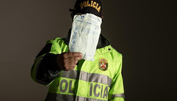 Las prendas policiales adquiridas por El Comercio serán entregadas a la PNP para que realice las investigaciones (El Comercio/César Campos)