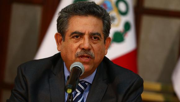 Manuel Merino de Lama, presidente del Congreso, cuestionó que tres legisladores hayan abordado nave que trasladó a Cusco a personas necesitadas. (Foto: GEC)