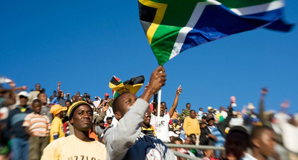 En el puesto diez están los empleados sudafricanos con un estimado de 14,8 horas extra de trabajo por mes. (Foto: Difusión)