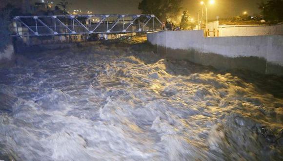Los especialistas de la Dirección del Sistema Nacional de Información de los Recursos Hídricos de la ANA indicaron que las lluvias registradas en las últimas horas en Lima ya descendieron, disminuyendo el caudal del río Rímac respecto al día anterior, que llegó hasta 55 m3/s. (Alonso Chero/El Comercio)