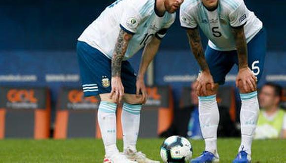 Lionel Messi y Leandro Paredes juegan juntos en la selección de Argentina.
