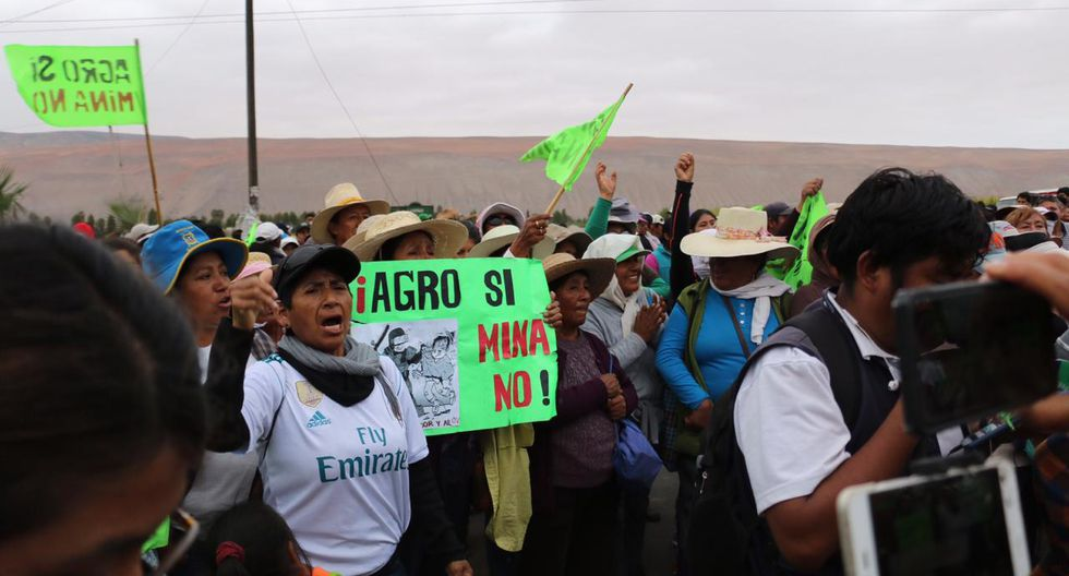 Las protestas en el Valle de Tambo continúan luego del anuncio del Consejo de Minería. (Foto: Zenaida Condori)