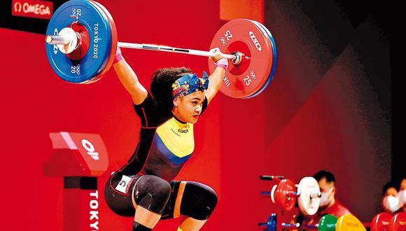 Neisi Dajomes obtuvo el primer lugar en levantamiento de pesas de 76 kg. (Foto: EFE)