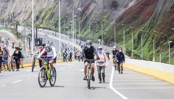 """""""Domingo sin autos"""" cuenta con el apoyo de inspectores de movilidad urbana y orientadores de transporte no motorizado, según indicó la Municipalidad de Lima. Foto: Andina"""