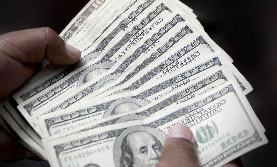 El dólar en el mercado paralelo se cotizó en la jornada previa a 5.918,43 bolívares soberanos. (Foto: GEC)