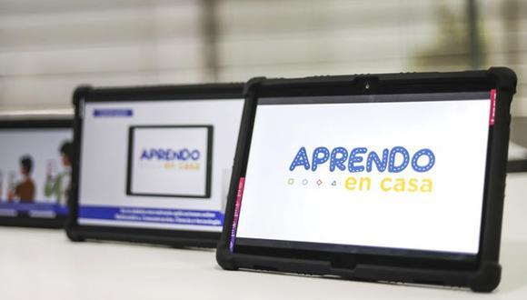 El ministro Ricardo Cuenca indicó que el retraso se debió a que uno de las empresas proveedoras se demoró en la entrega y que a eso se sumó que no había un contrato para la distribución de los equipos. (Foto: Minedu)