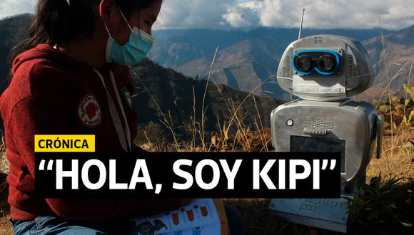 En Colcabamba, algunos escolares toman clases junto a Kipi, una robot. (Foto: Yerson Collave)
