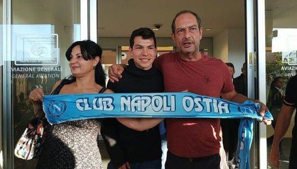 El mexicano Hirving Lozano recibió un caluroso recibimiento de los hinchas del Napoli a su llegada a Italia